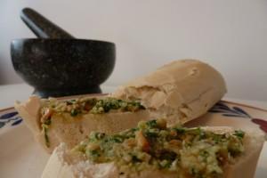 Tuinkers pesto op brood